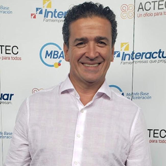 Hernán Darío Ríos - Director de talento y desarrollo organizacional - Corporación Interactuar