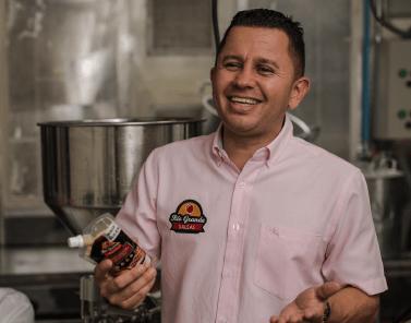 Nominado Famiempresario 2020 - José Vélez Productora y Comercializadora Del July